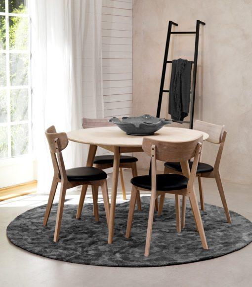 Ami stolar och bord